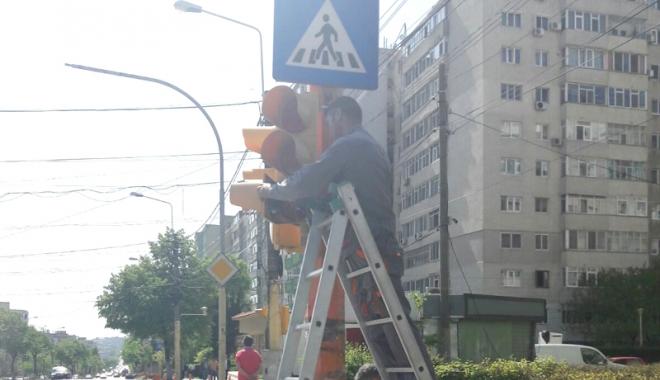 Foto: Primăria Constanţa schimbă semafoarele din oraş. Care este motivul
