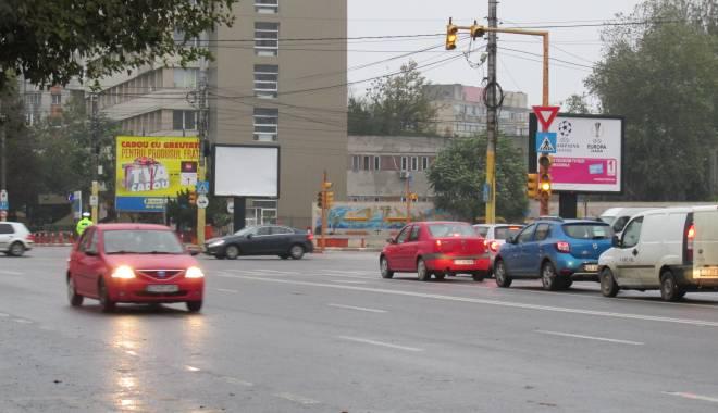 Foto: Atenţie, şoferi! Nu funcţionează semafoarele din intersecţia de la ICIL