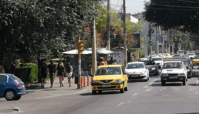Semafoarele de pe strada Mircea cel Bătrân colţ cu strada Decebal, din nou funcţionale - semafoarele2-1535548588.jpg
