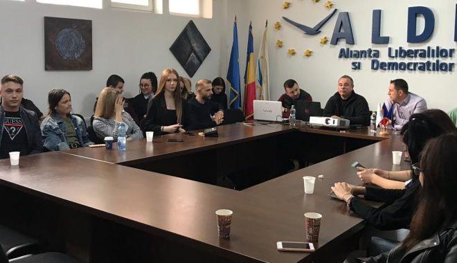 "Foto: Seminar la sediul ALDE. ""Cum ne alegem aleșii la Parlamentul European"""