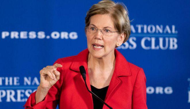 Foto: Senatoarea democrată Elizabeth Warren îndeamnă la destituirea lui Trump