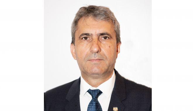 Foto: Cine este senatorul PSD care a votat pentru învestirea Guvernului