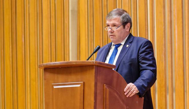 Foto: Senatorul constănțean Ștefan Mihu  l-a luat la întrebări  pe ministrul Turismului