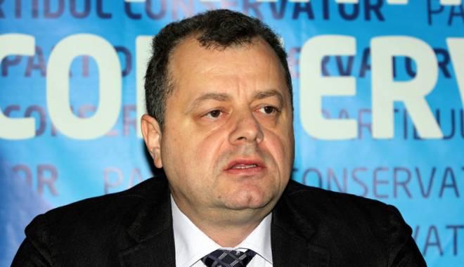 Foto: Senatorul Mircea Banias, declaraţie privind relaţiile diplomatice româno-americane