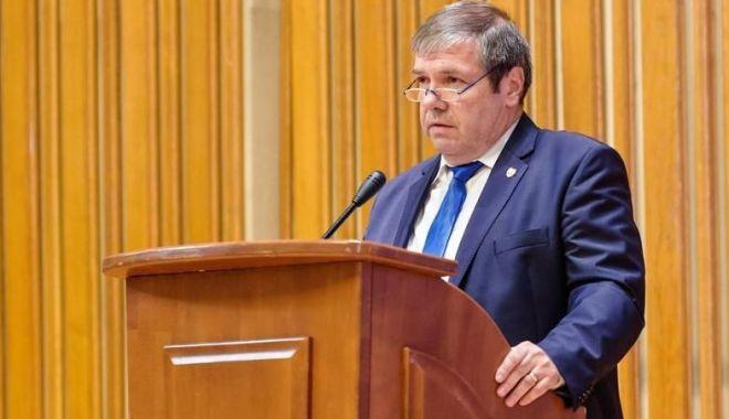 Foto: Senatorul Ștefan Mihu susține desființarea direcțiilor regionale de finanțe publice