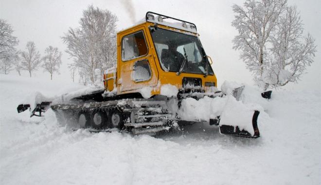 Foto: IGSU trimite autospeciale către judeţele ameninţate de ninsoare şi viscol