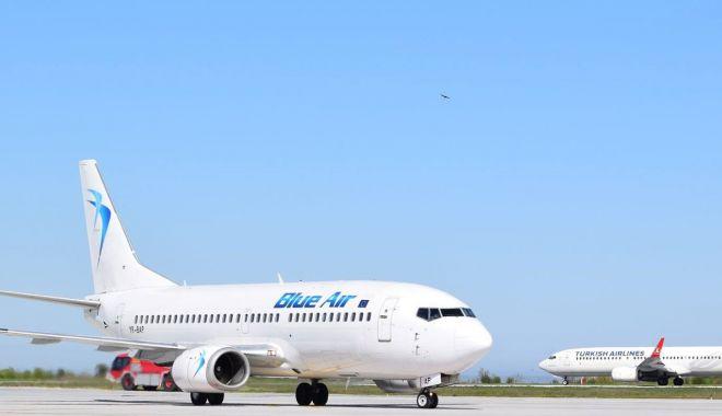 Foto: Se redeschid cursele aeriene interne de pe Aeroportul Internațional