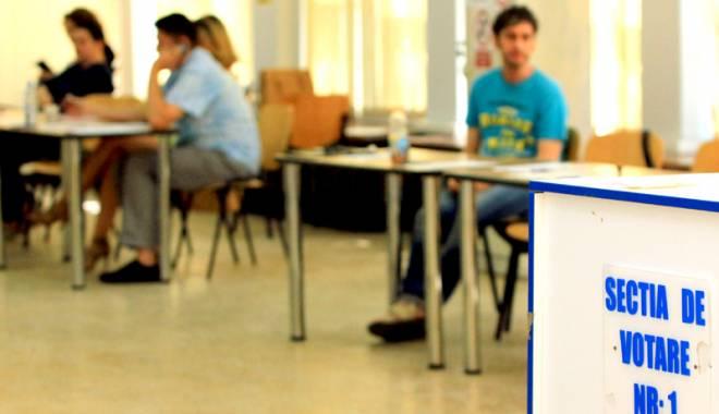 """Foto: Se reia referendumul eşuat de la """"Ovidius"""""""