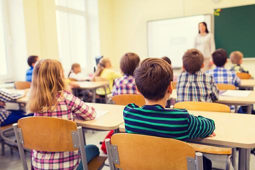 Foto: Învăţătoare condamnată pentru purtare abuzivă, după ce şi-a jignit elevii