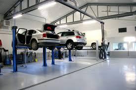 Foto: Service-urile auto caută forţă de muncă în China