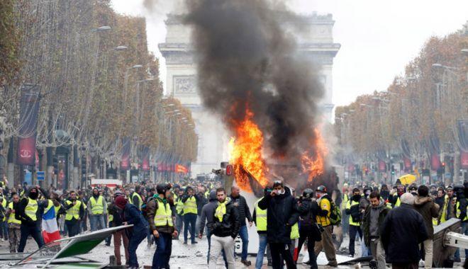 """Foto: Nu există dovezi ale unei implicări ruse în protestele mişcării """"Vestelor Galbene"""" din Franţa"""