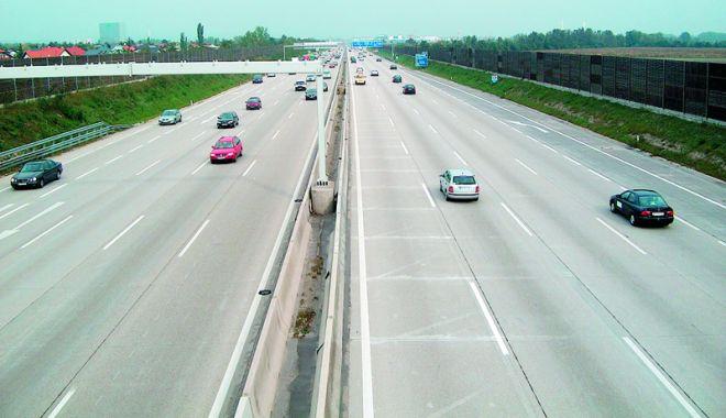 Foto: Se schimbă legile de circulaţie pe autostrăzi. Care va fi viteza MAXIMĂ permisă