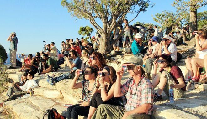 Foto: Se strânge lațul pentru escrocii din turism