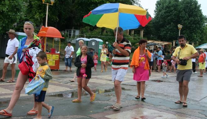 Foto: Se strică vremea. ANM a emis o avertizare de instabilitate atmosferică accentuată
