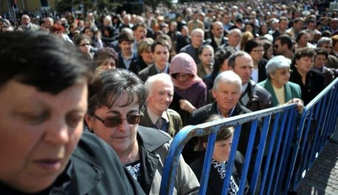 Foto: INS. Aproape un sfert din veniturile românilor, din prestaţii sociale