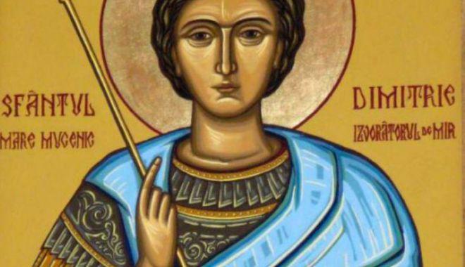 Foto: Ortodocşii îl sărbătoresc, vineri, pe Sfântul Dimitrie
