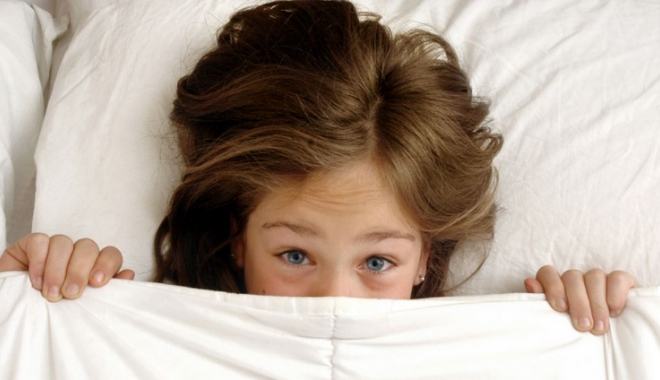 Foto: Sfaturi pentru părinţi, atunci când copilul udă patul