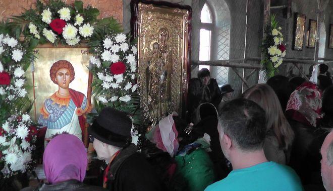 Foto: Tradiţii de Sfântul Gheorghe. Somnoroşii nu vor avea spor la lucru tot anul