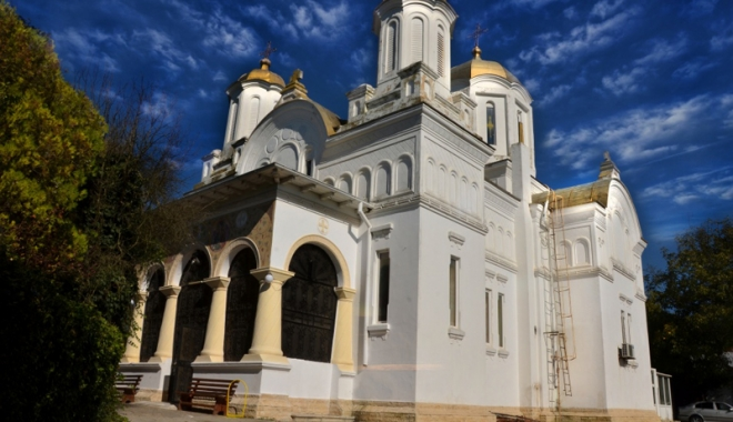 Foto: Noapte de rugăciune la biserica  din Topraisar