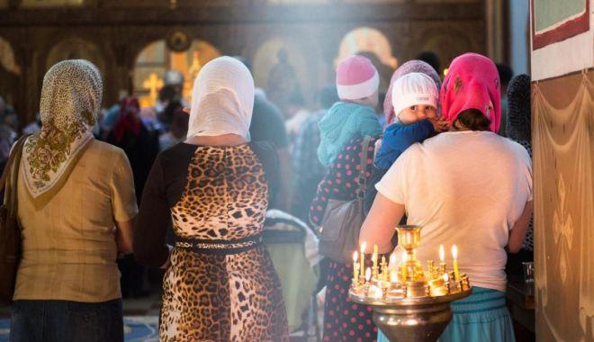 Foto: Creștinii ortodocși se pregătesc de Nașterea Sfântului Ioan Botezătorul