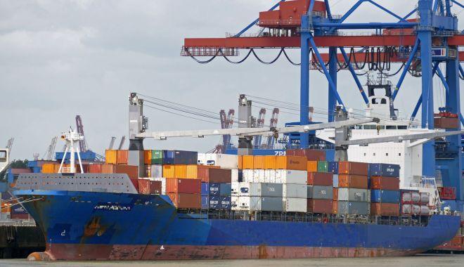 Foto: Shipping-ul internațional declară  război corupției din porturile lumii