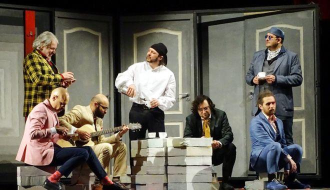 """Foto: Show în deplasare. Actorii constănţeni duc """"Testosteronul"""" la Galaţi"""