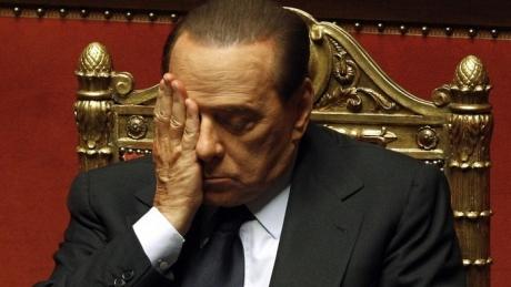 Foto: Silvio Berlusconi demisionează