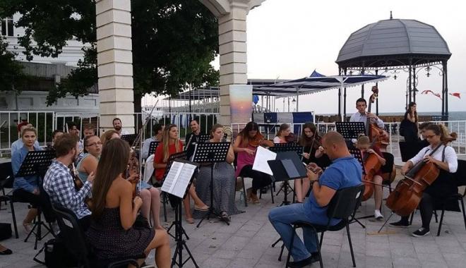Foto: Simfonii la malul mării