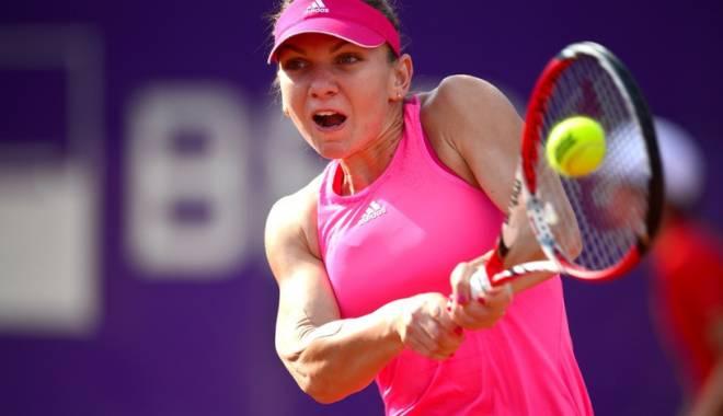 VICTORIE! Simona Halep e în semifinale la Toronto! - simonah-1439579047.jpg
