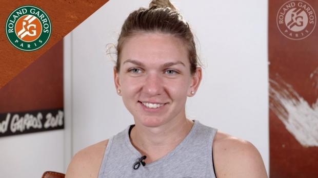 Simona Halep, după ce a devenit CAMPIOANĂ la Roland Garros.