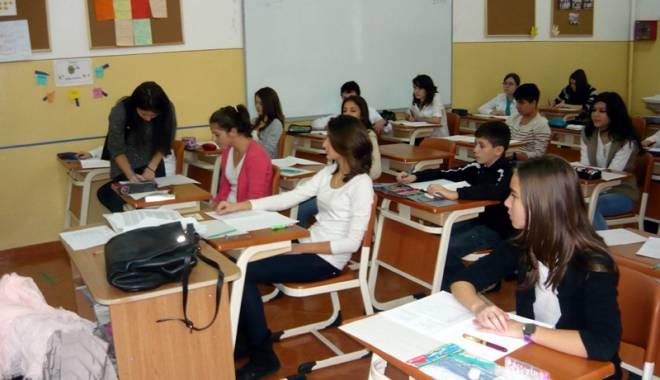 Foto: Problemele învăţământului constănţean, prin ochii elevilor