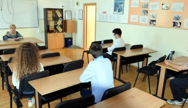Foto: Se apropie examenele! Simulările  la Evaluarea Naţională  şi la Bacalaureat, în luna martie