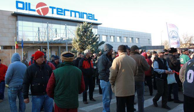 Foto: Sindicaliștii intră în lupta pentru salvarea companiei Oil Terminal