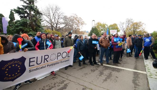 Sindicatele acuză haosul din negocierile salariale impuse de Guvernul Tudose - sindicatele5-1513181146.jpg