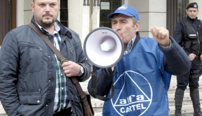 Foto: Sindicatele ameninţă cu greva generală