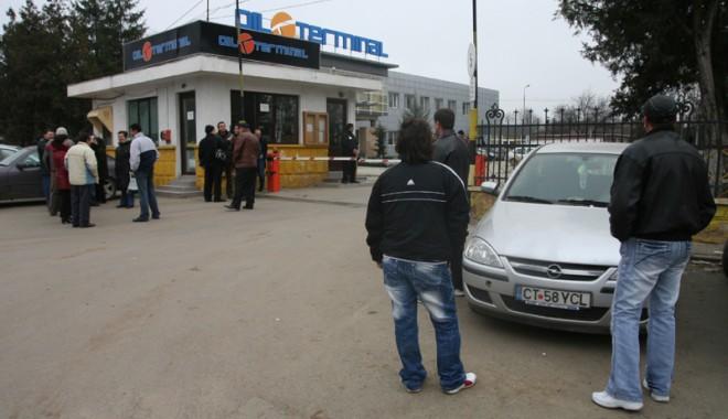 Foto: Sindicatul Oil Terminal solicită achitarea primei de Paşti, în instanţă