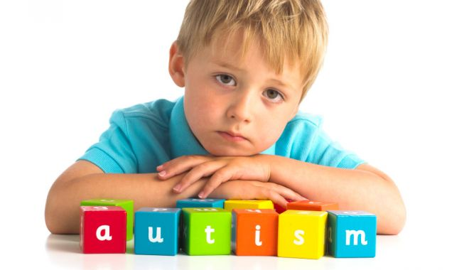Cum se manifestă autismul şi sindromul Asperger