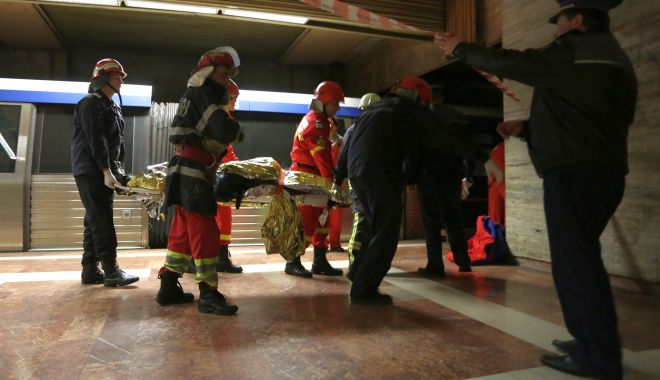 Foto: Sinucidere în staţie! O persoană s-a aruncat în faţa metroului