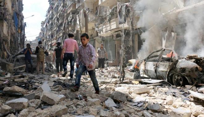 Foto: Siria: 21 de civili, dintre care opt copii, uciși în raiduri aeriene