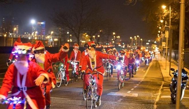 """Foto: Şi tu poţi fi  """"Moş Crăciun  pe bicicletă"""""""