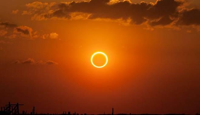 Foto: Eclipsa de Soare, vizibilă şi din România, va afecta reţeaua electrică din Europa