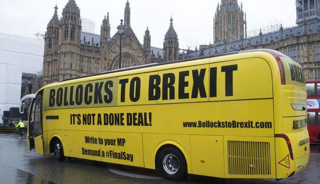 """Foto: Slogan de campanie în Marea Britanie: """"La naiba cu Brexitul"""""""