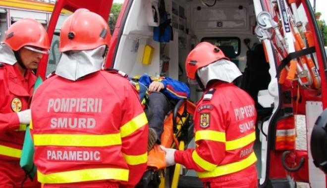 Foto: Tragedie pe �osea. Un t�n�r a murit dup� ce a intrat cu ma�ina sub remorca unui tir