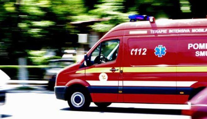Foto: Accident GRAV: 5 victime, după ce un microbuz plin cu ELEVI a fost făcut praf de un TIR