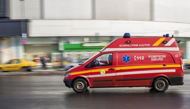Foto: Alertă 112! Constănţean căzut de la etaj