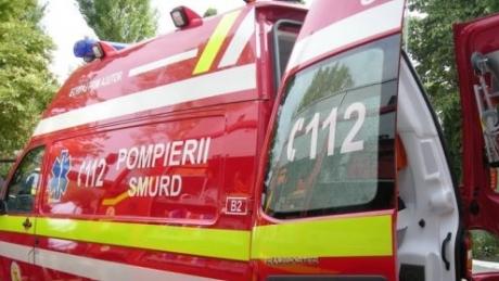 Mai mulți copii aflați într-un microbuz au fost răniți într-un accident - smurd582500900-1314698282.jpg