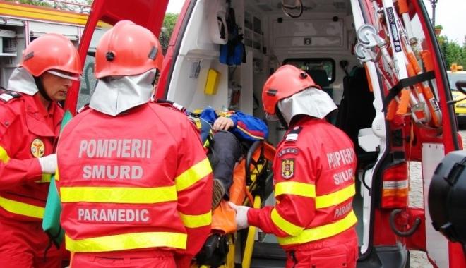 Trei elevi au fost loviți de un microbuz, chiar pe trecerea de pietoni - smurdparamedicinterventie-1513324412.jpg