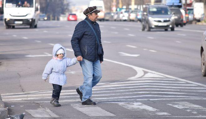 Foto: Soare şi maxime de 11 grade Celsius, astăzi, la Constanţa