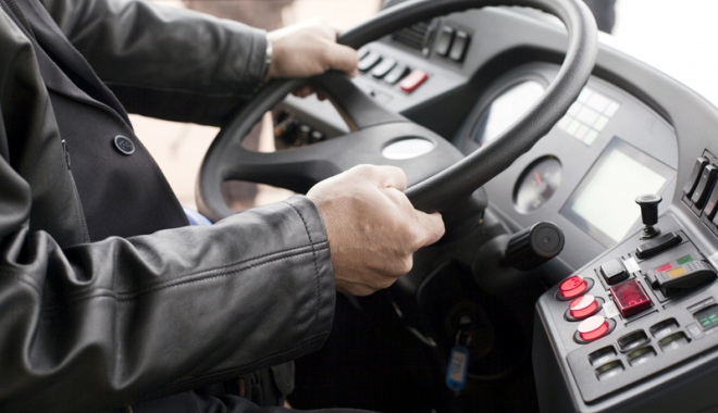 Foto: Şofer de autocar beat, prins de poliţişti pe Autostrada Soarelui