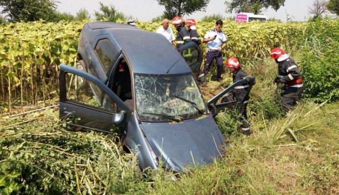 Foto: Infarct la volan, pe caniculă. Şofer mort, după ce a pierdut controlul volanului